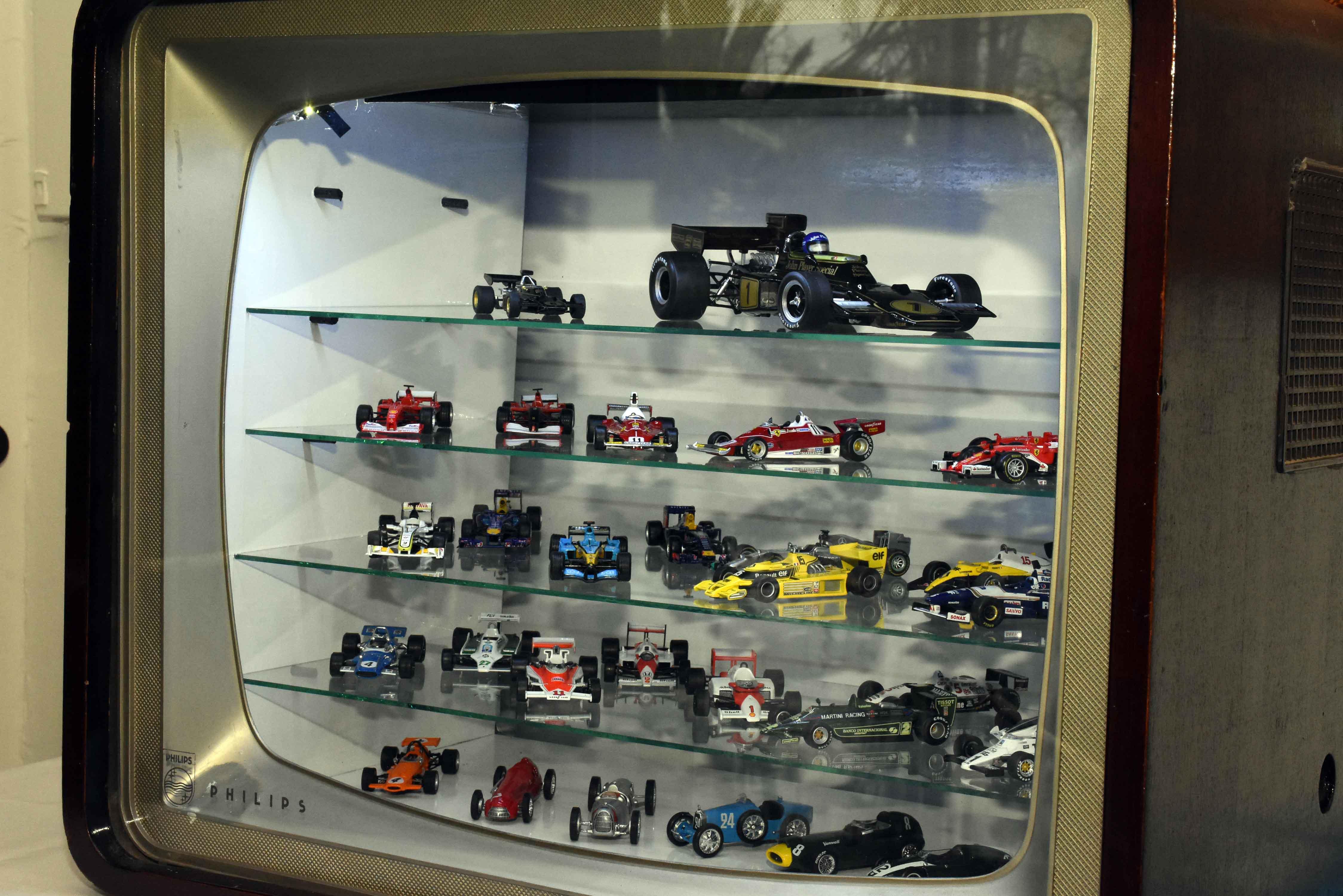 Exposición de autos a escala en La Barraca (19)