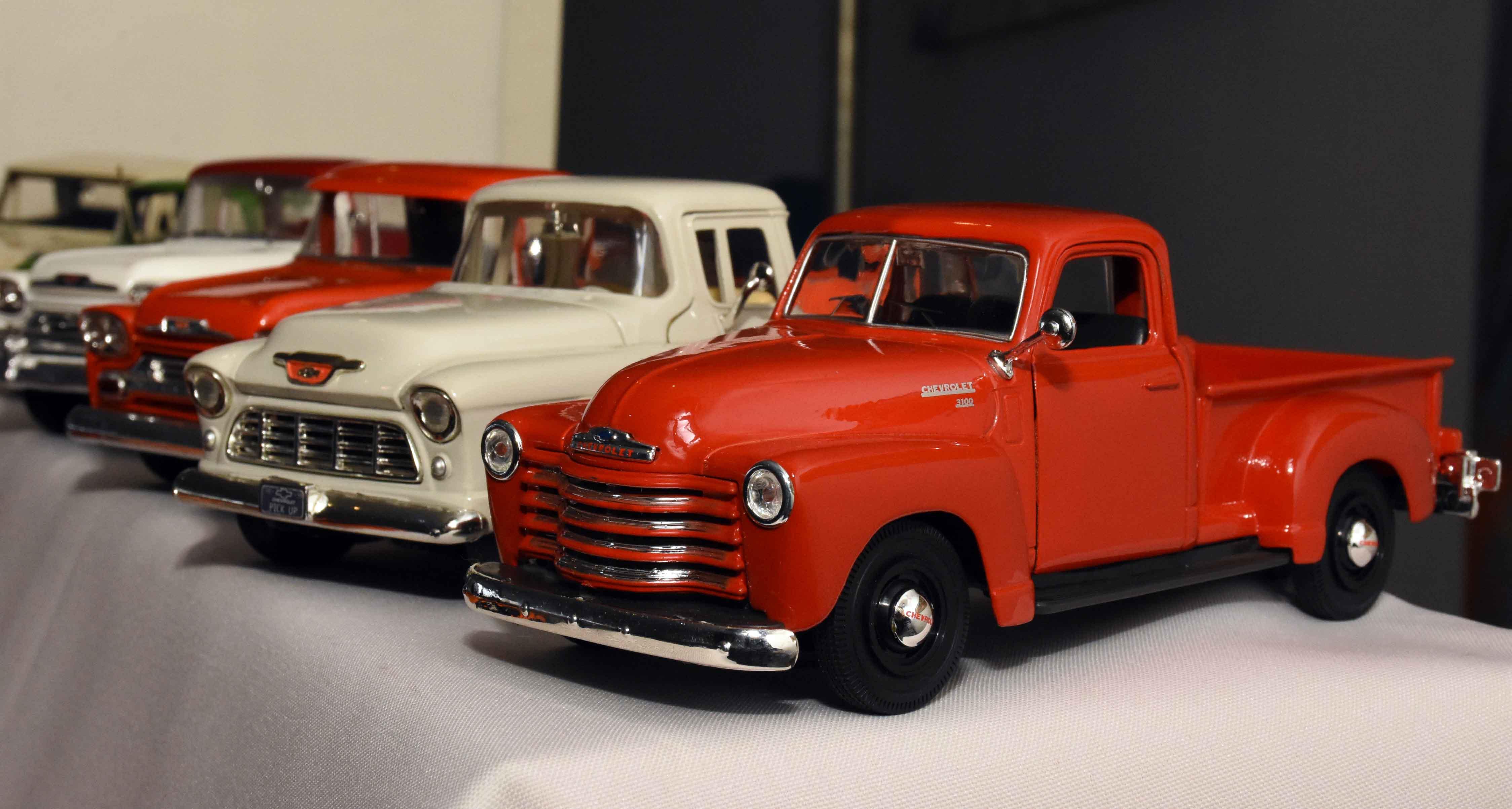 Exposición de autos a escala en La Barraca (2)