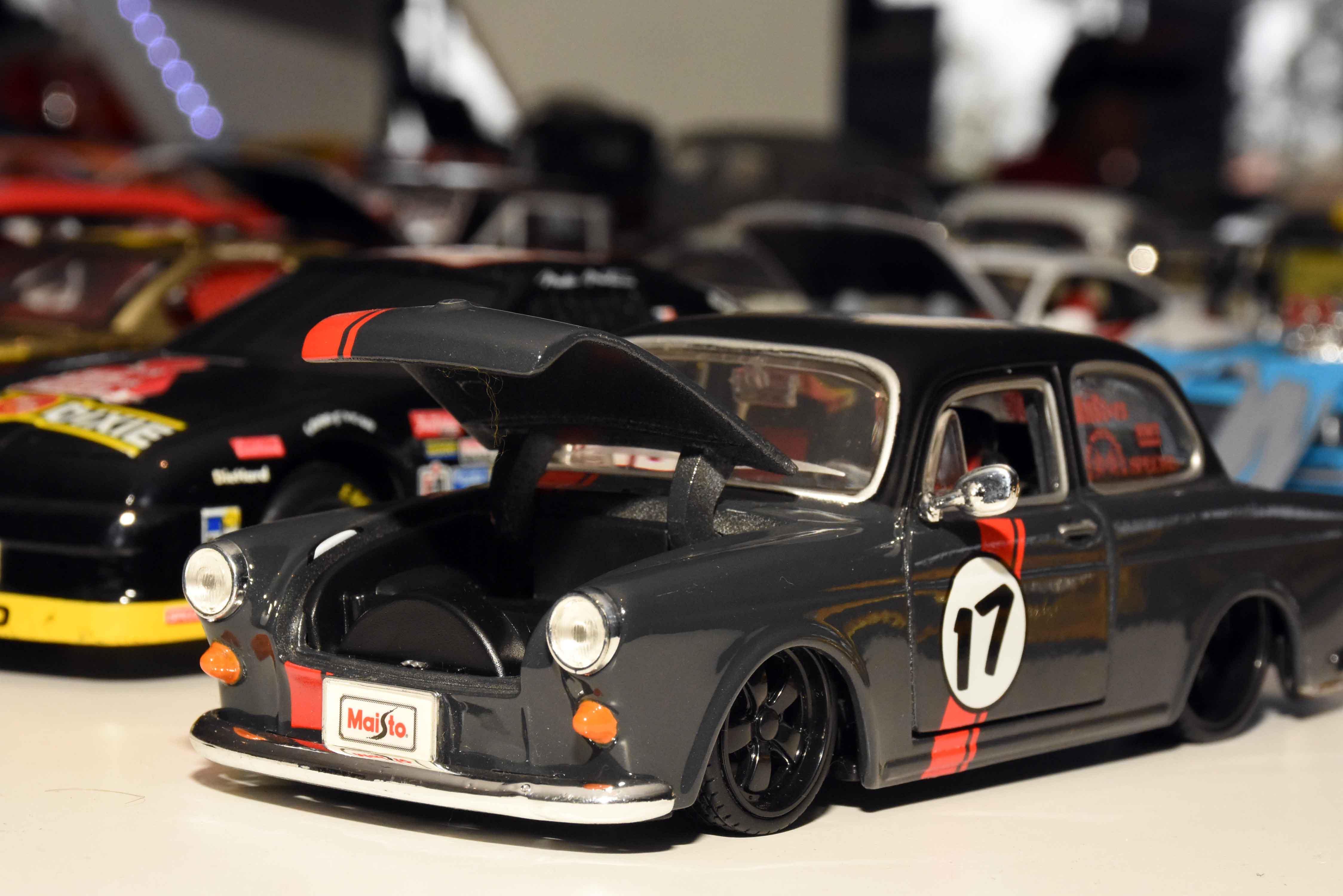 Exposición de autos a escala en La Barraca (20)