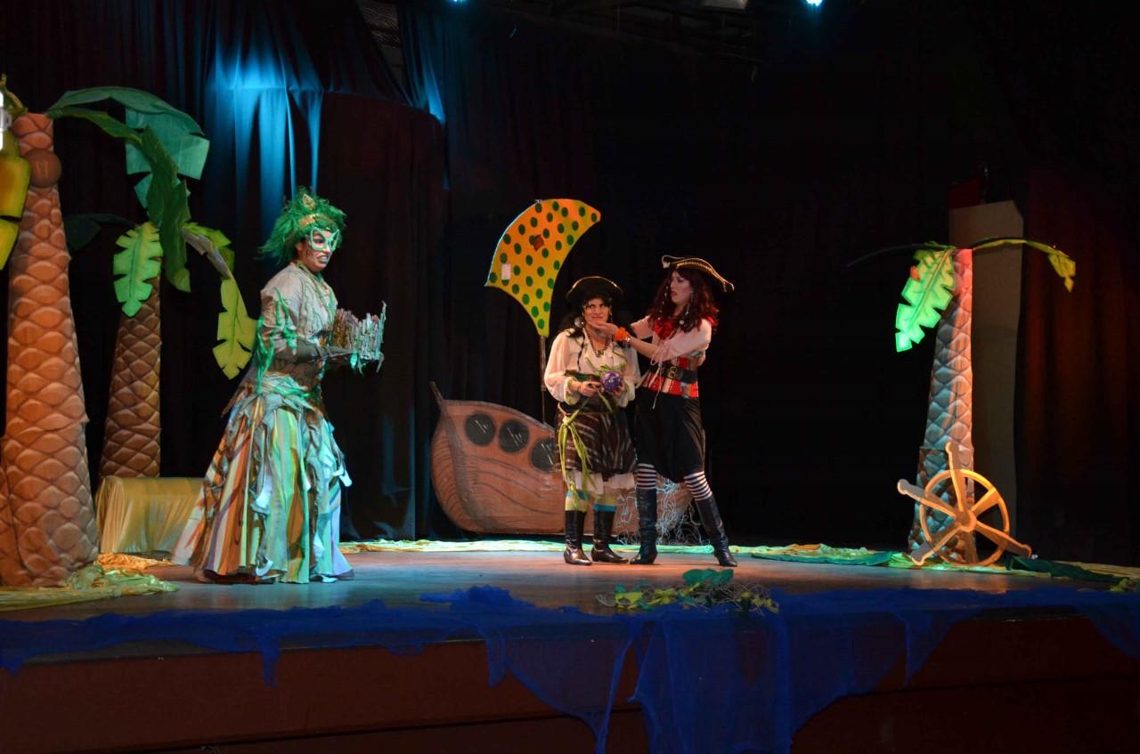 Piratas por casualidad. Elenco L' Actitud 33- Cine Teatro Armando Tejada Gómez (6)