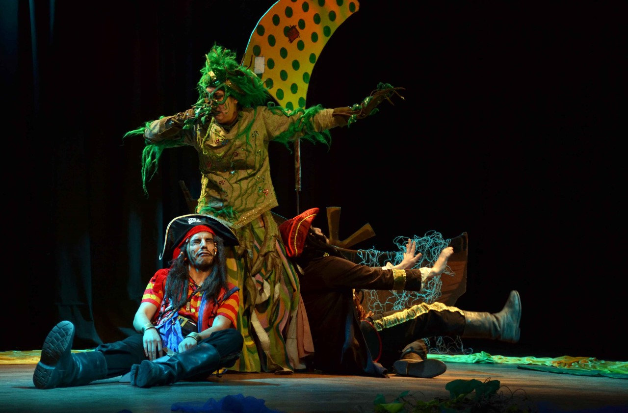 Piratas por casualidad. Elenco L' Actitud 33- Cine Teatro Armando Tejada Gómez (8)