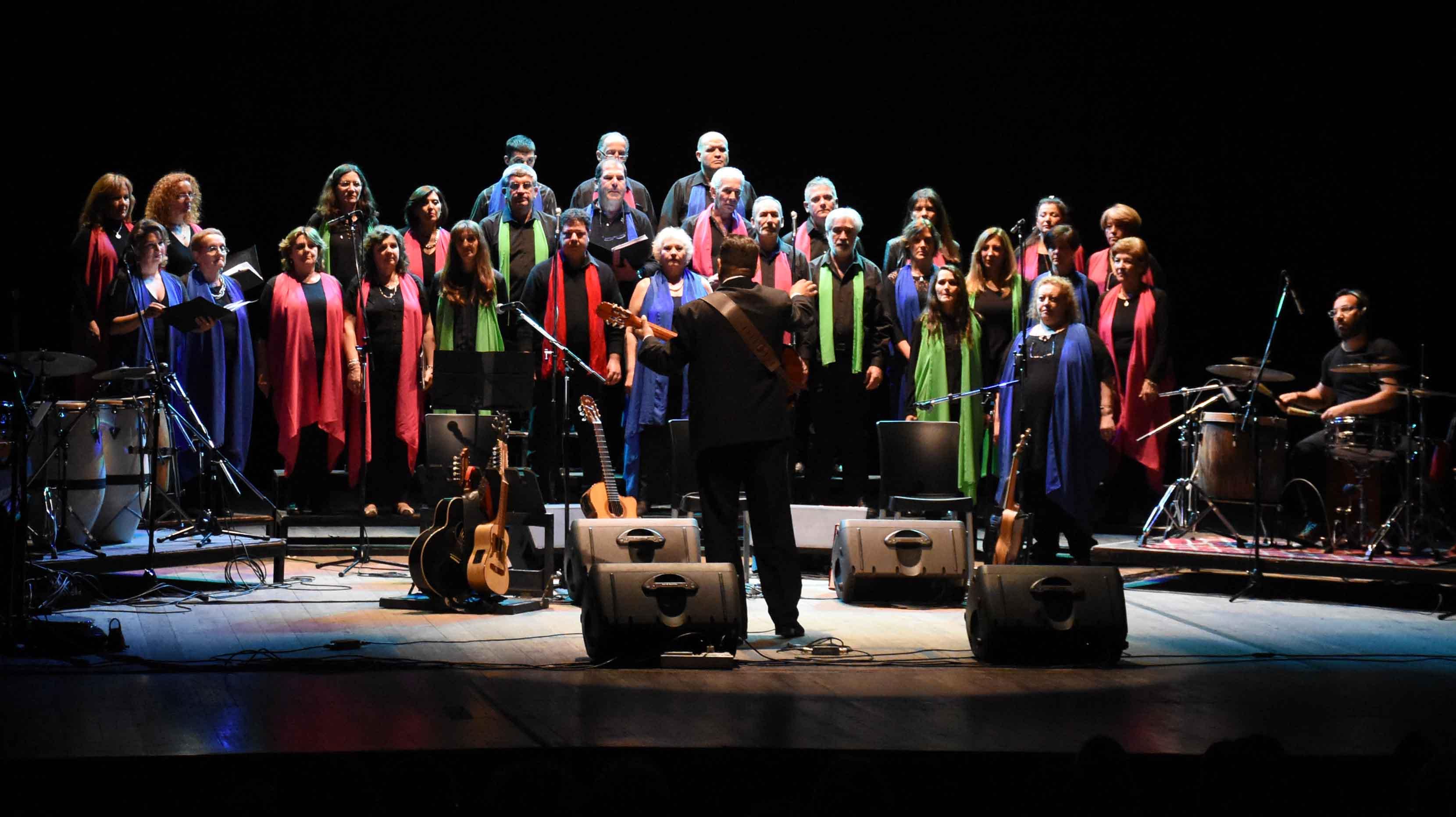Canto a Guaymallén - Guaymallén coral- teatro Independencia (1)