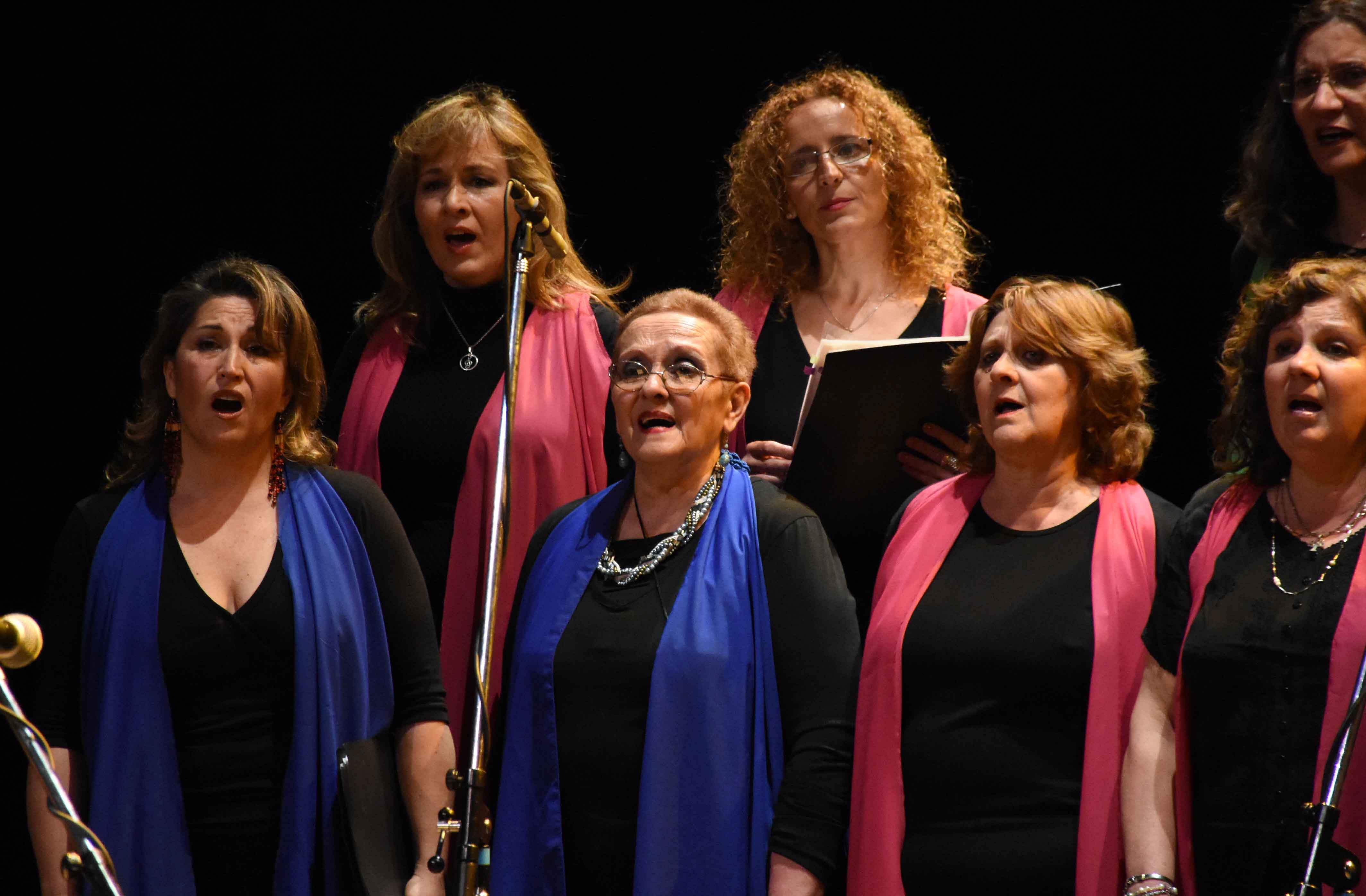 Canto a Guaymallén - Guaymallén coral- teatro Independencia (16)