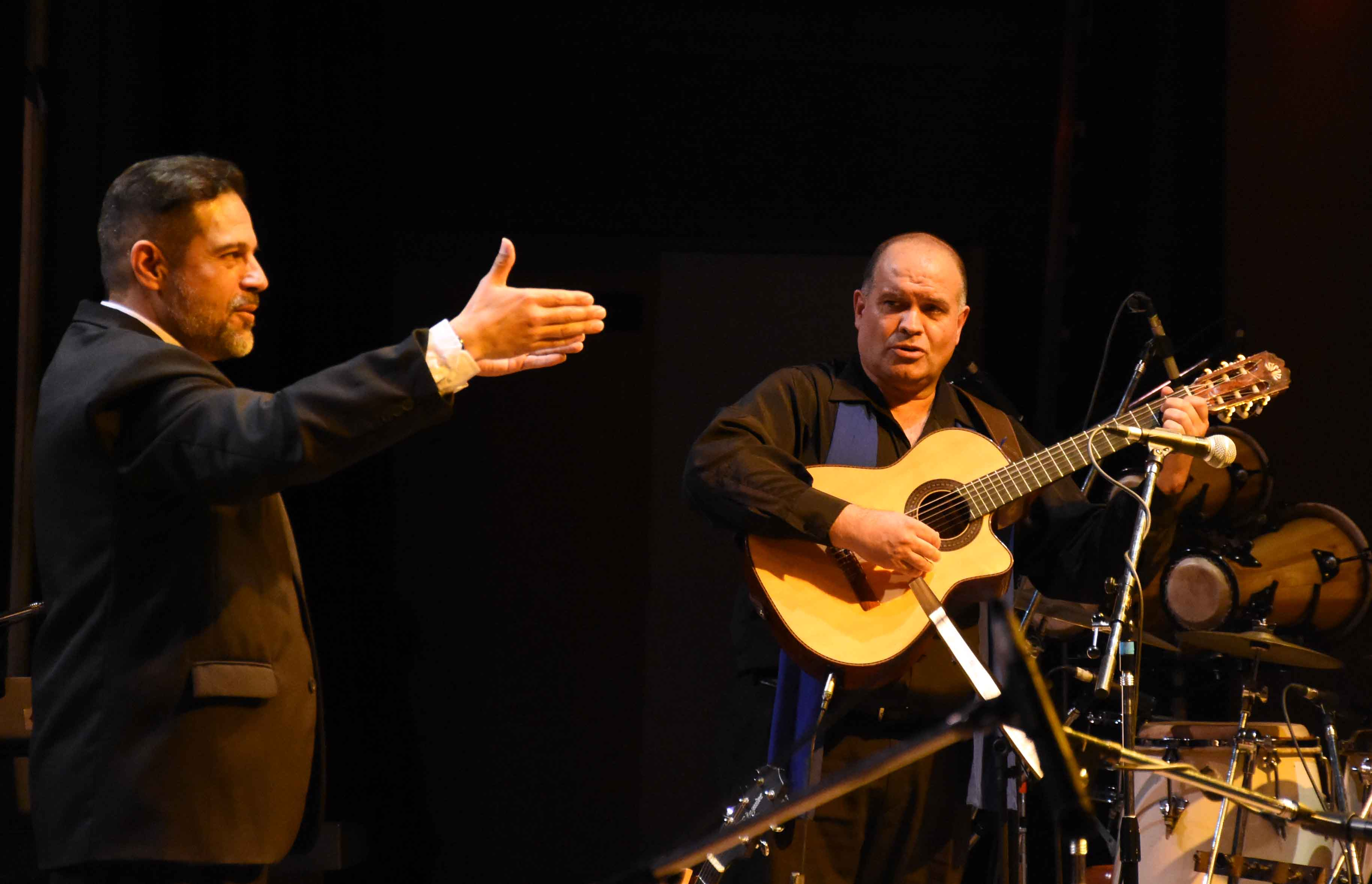 Canto a Guaymallén - Guaymallén coral- teatro Independencia (19)