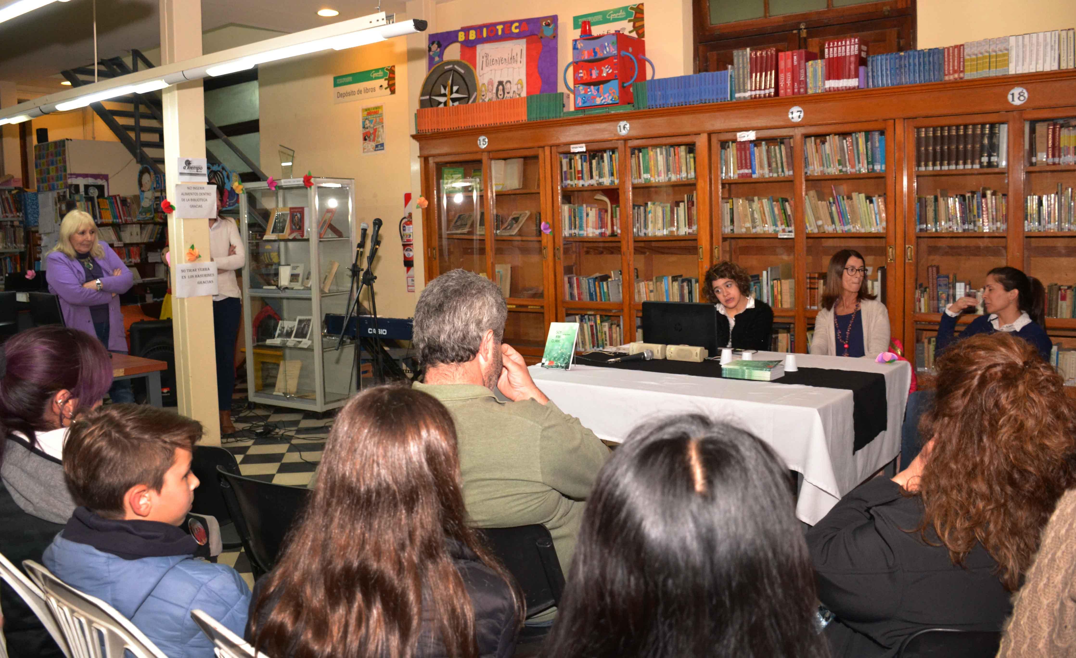 Presentación del libro - Soy Ana Clara - Almafuerte (2)