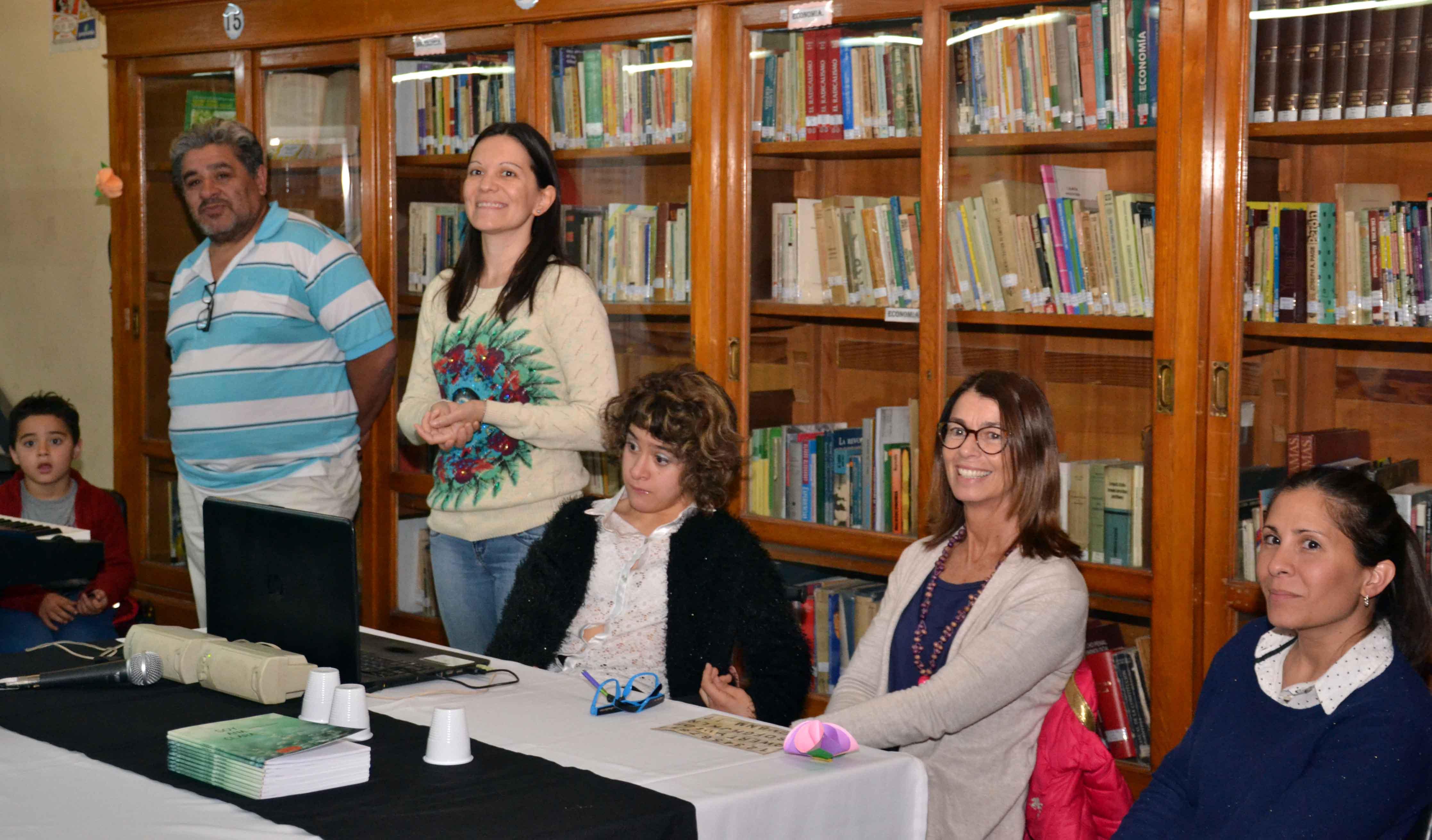 Presentación del libro - Soy Ana Clara - Almafuerte (7)
