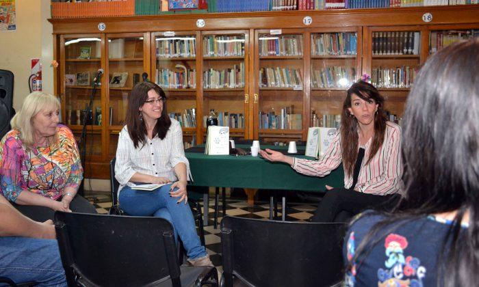 Presentaci_n del Libro DE LAS COSAN QUE PASAN - Biblioteca Almafuerte (1)
