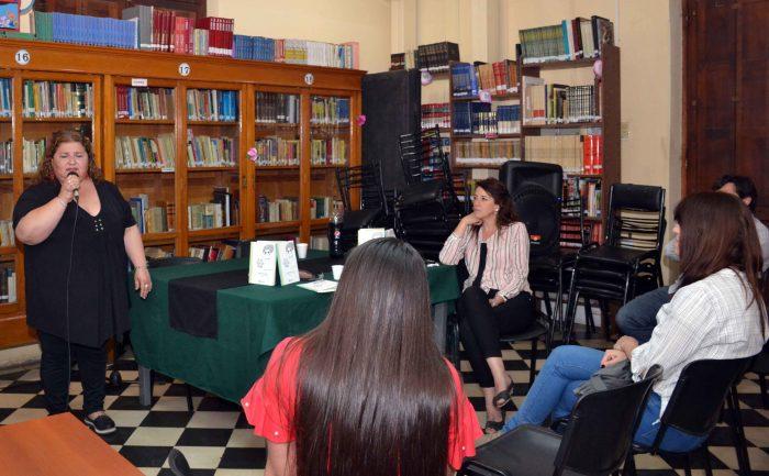 Presentaci_n del Libro DE LAS COSAN QUE PASAN - Biblioteca Almafuerte (13)