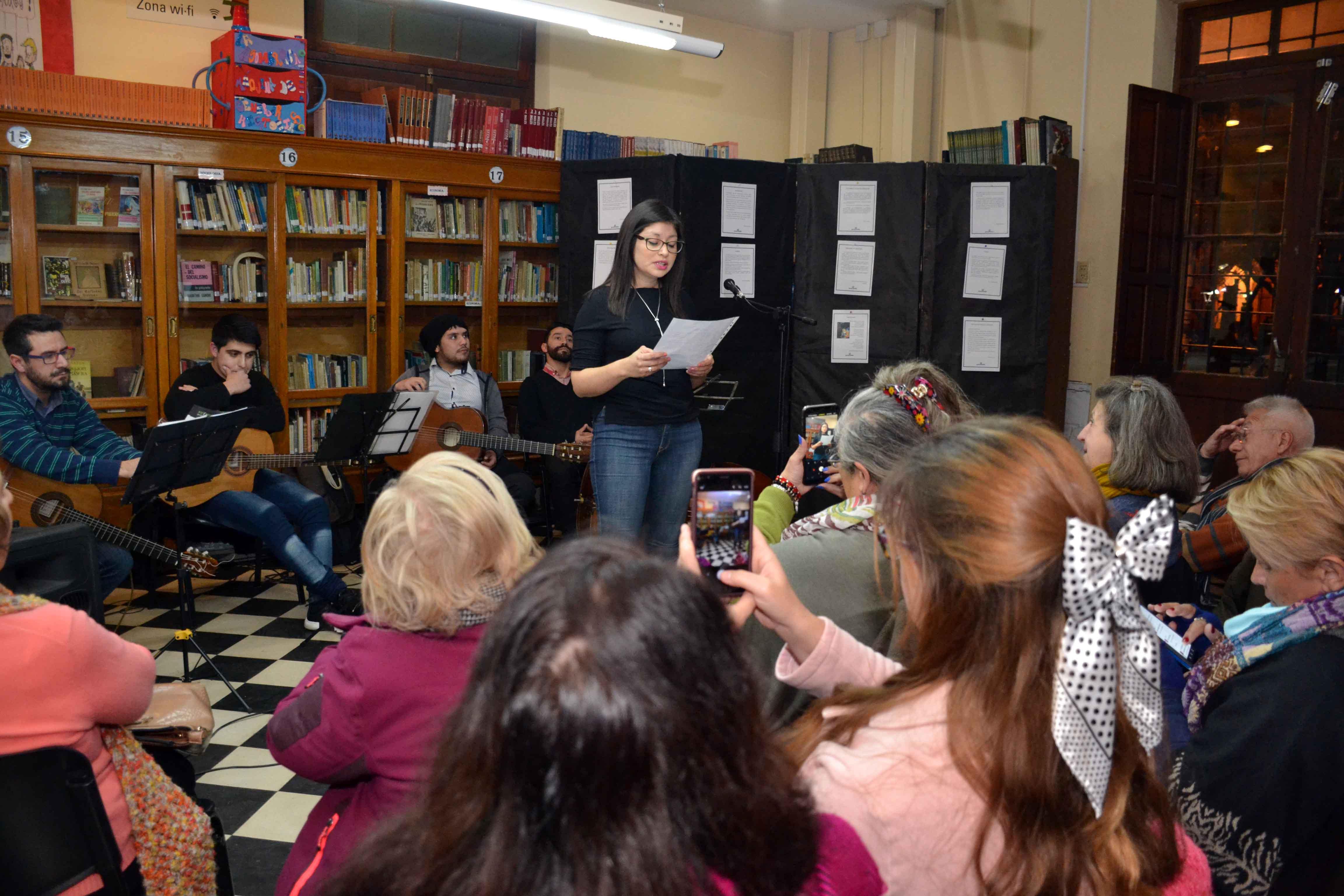 Encuentro de microrrelatos- Biblioteca Almafuerte (10)