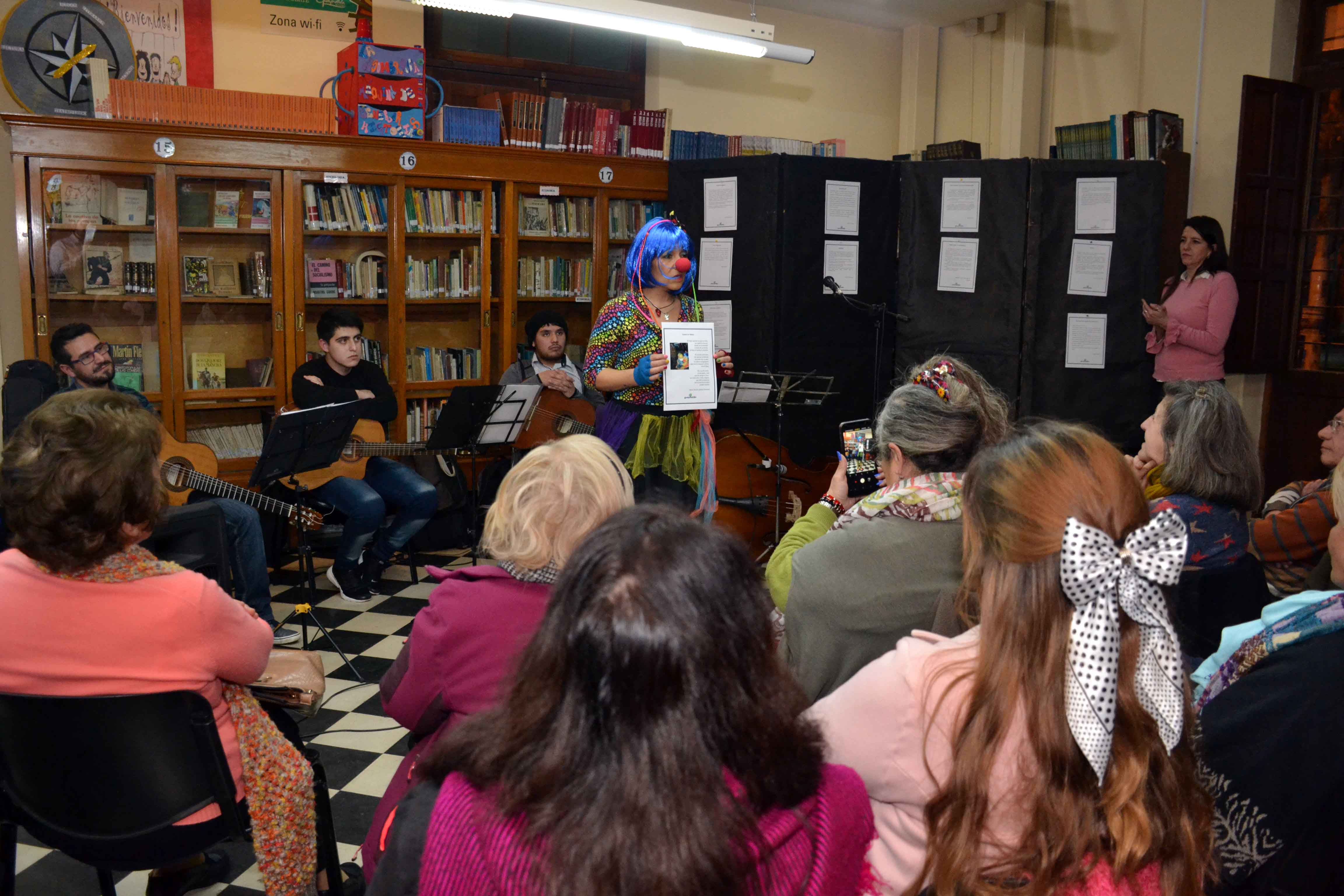 Encuentro de microrrelatos- Biblioteca Almafuerte (12)