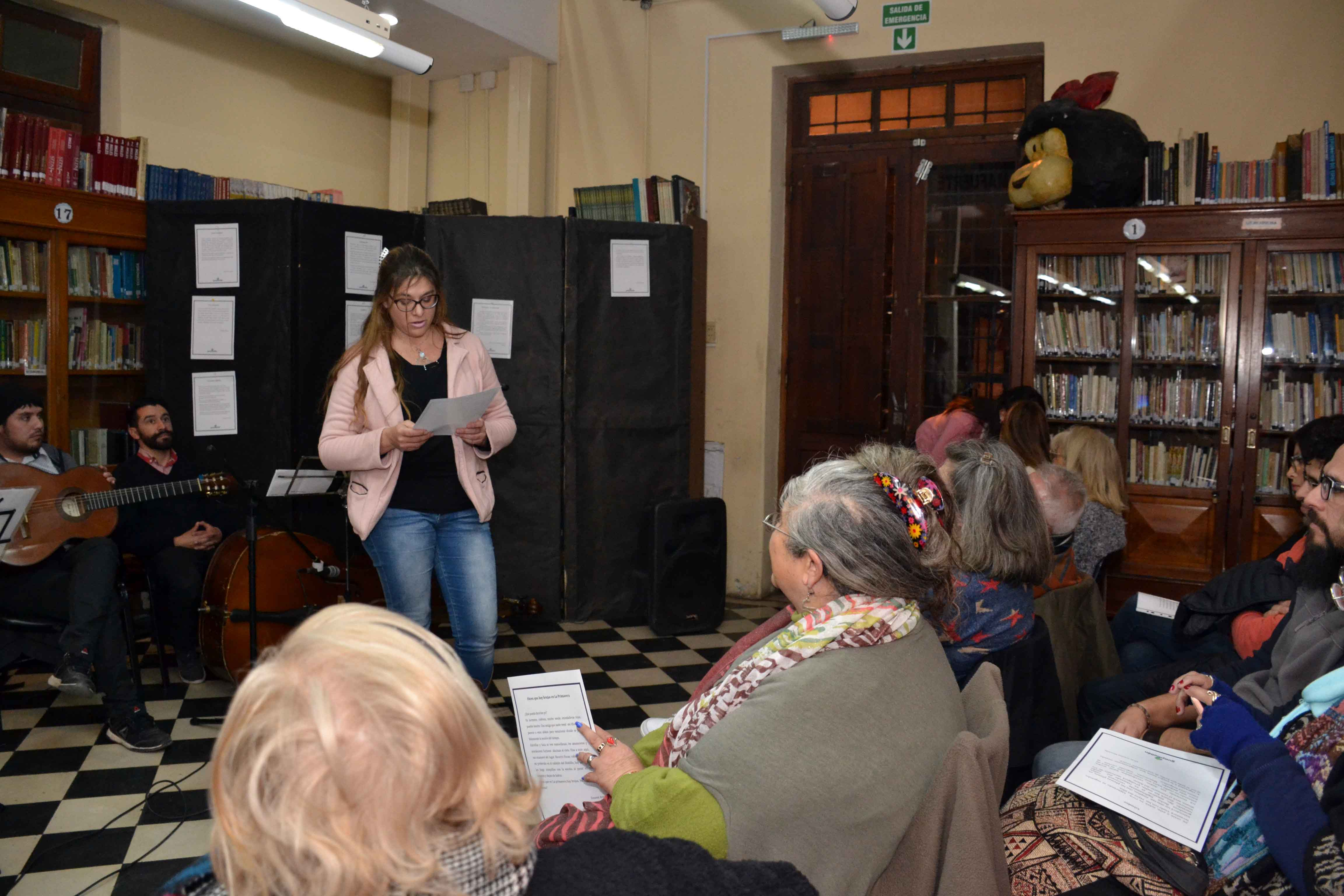 Encuentro de microrrelatos- Biblioteca Almafuerte (16)