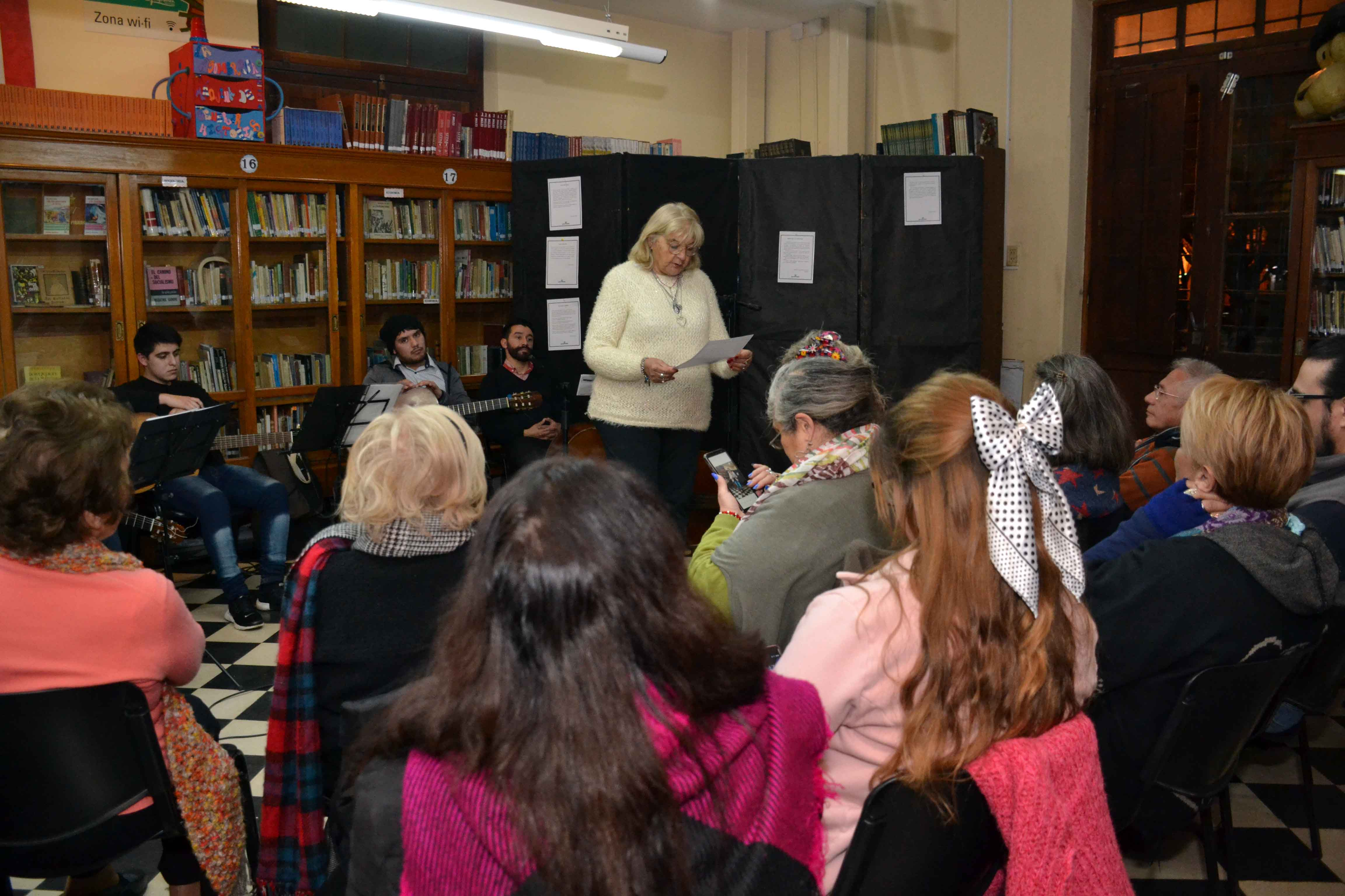 Encuentro de microrrelatos- Biblioteca Almafuerte (20)