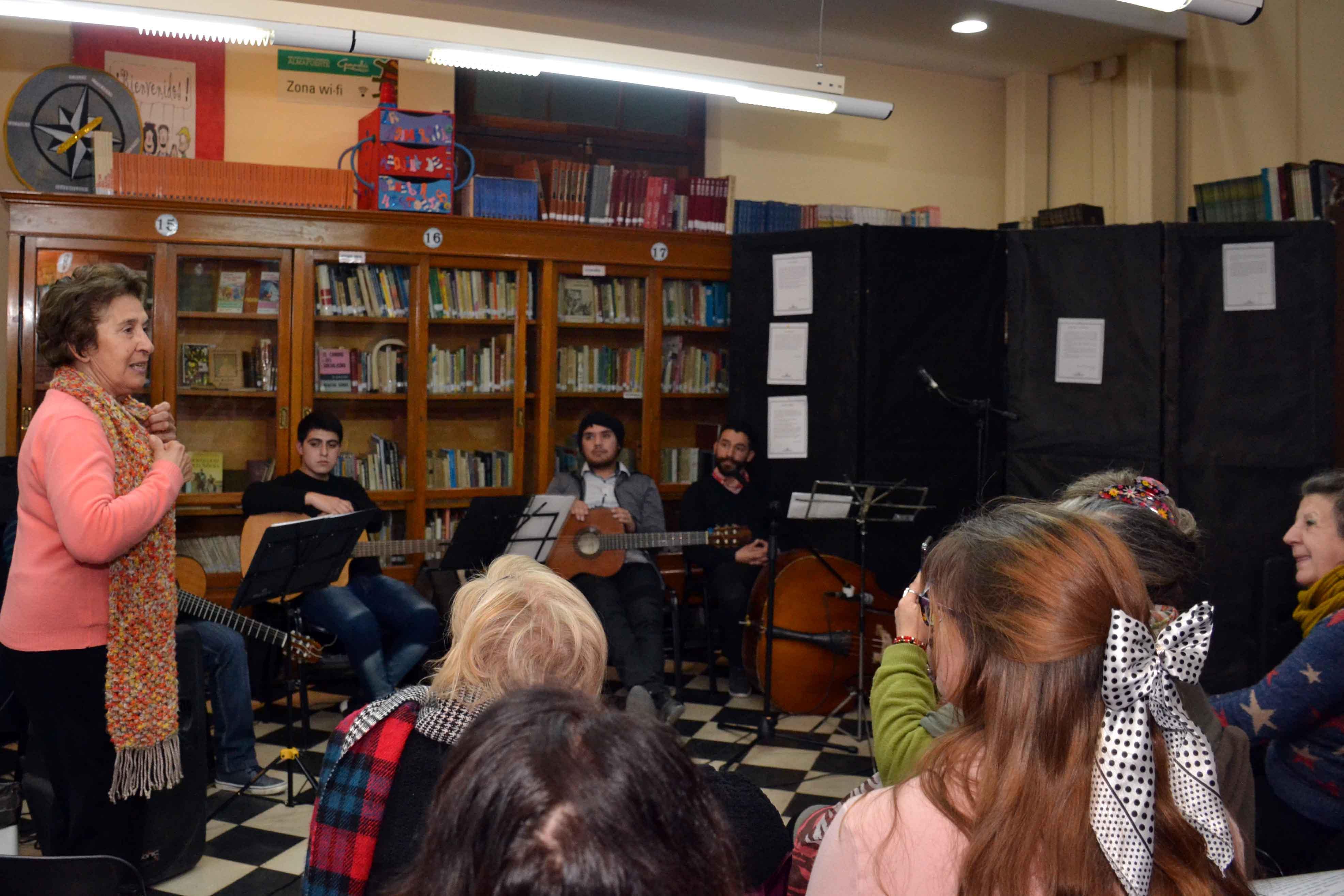 Encuentro de microrrelatos- Biblioteca Almafuerte (21)