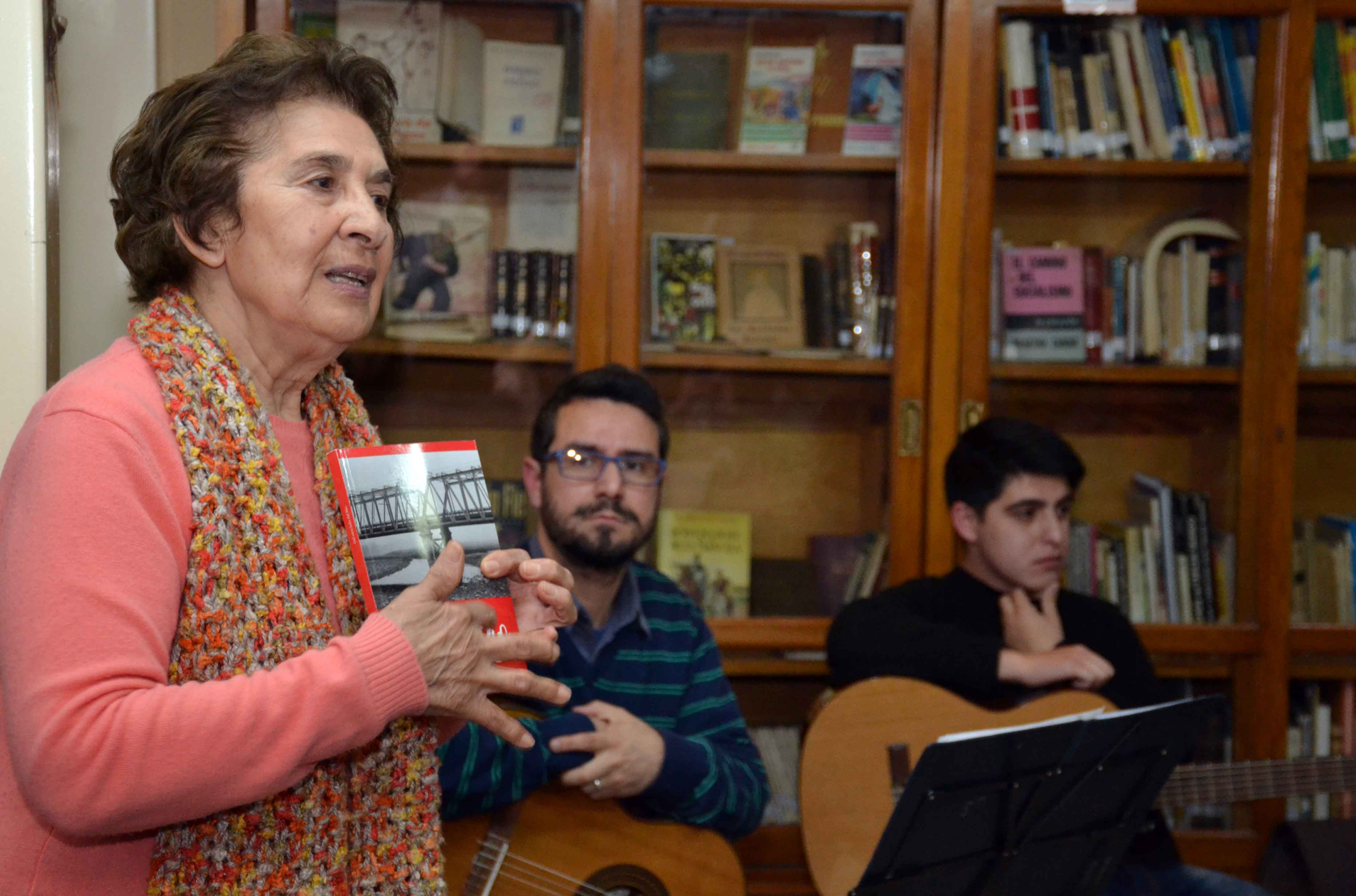 Encuentro de microrrelatos- Biblioteca Almafuerte (25)