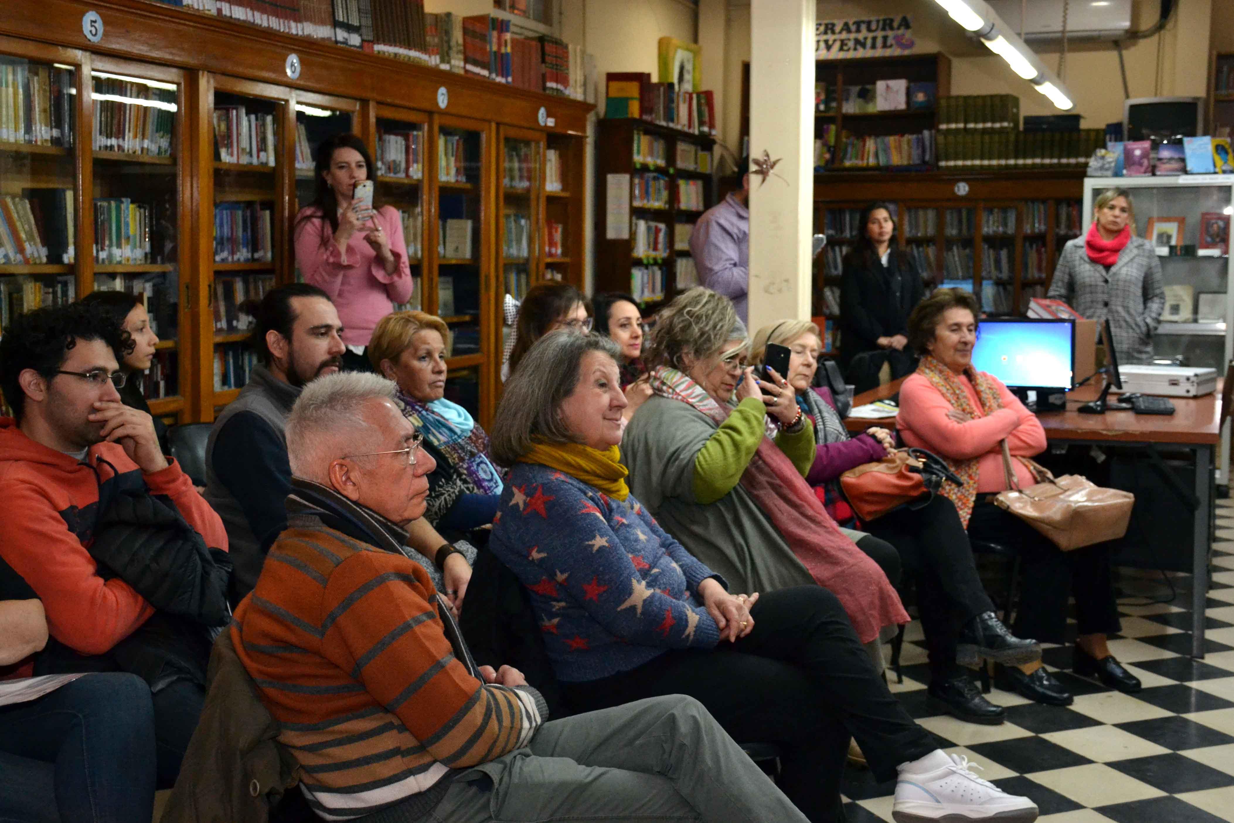 Encuentro de microrrelatos- Biblioteca Almafuerte (9)