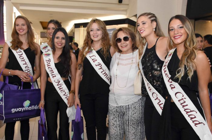 Reinas distritales en Mendoza Plaza Shopping (14)