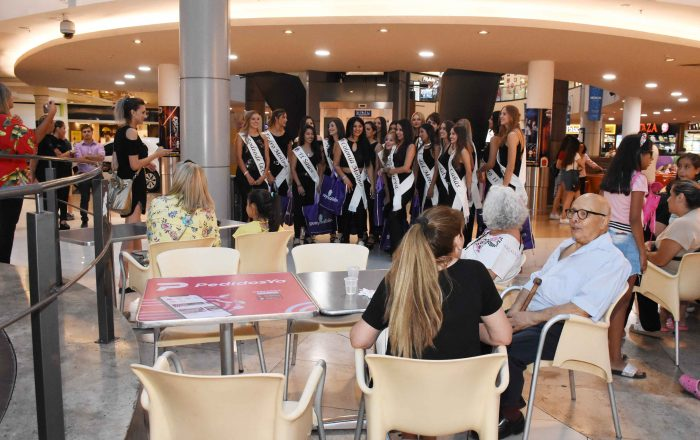 Reinas distritales en Mendoza Plaza Shopping (23)