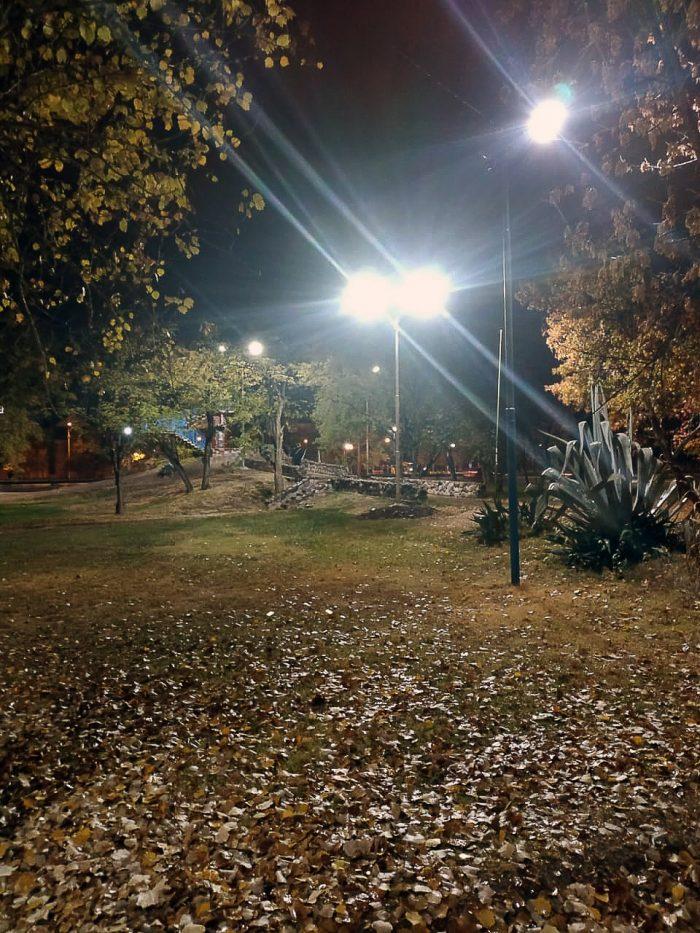 Columnas de iluminación - Parque del Acceso Este (8)