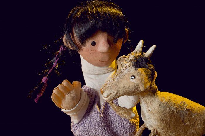 (4) La niña del cerro- Guillermo Troncoso